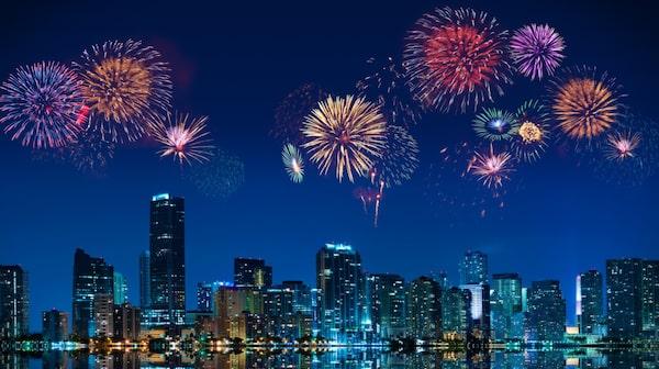 Under nyårsaftonen förvandlas Ocean Drive i Miami till ett enda stort gatuparty.