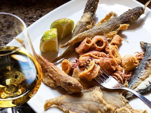 Pantelleria är det bärnstensfärgade vinet från ön med samma namn.