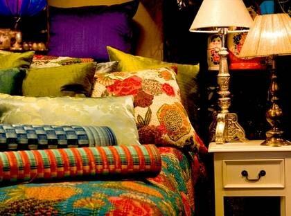 Spitis nätbutik bjuder på färgstark och ombonad inredning.