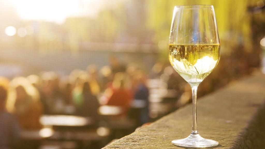 Viner gjorda på riseling-druvan är mycket populära, bland annat i Sverige.
