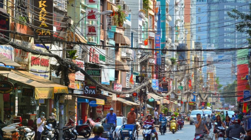 <p>Den billigaste storstaden i höst är Ho Chi Minh i Vietnam. Foto: Shutterstock</p>