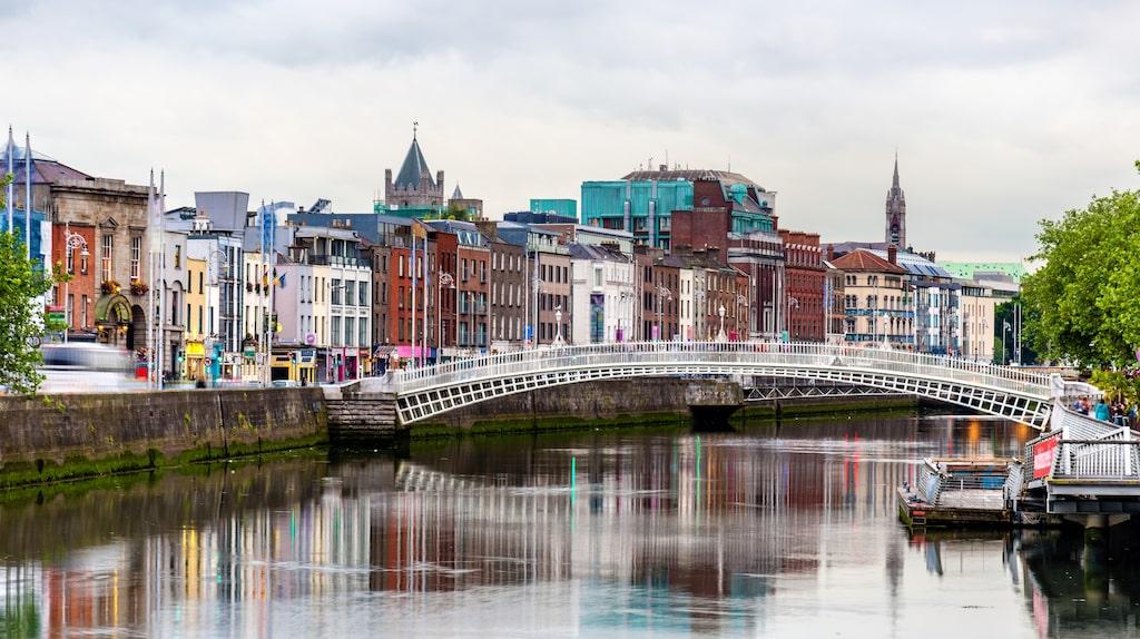 Det finns 24 broar över floden Liffey i Dublin.