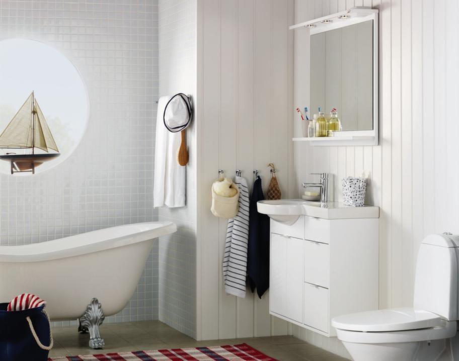 """<span style=""""text-decoration: underline;"""">Hafa Moon, Hafa - Passar i både stora &amp; små badrum</span><br>Hafa Moon, med sina bra förvaringsutrymmen, passar både i stora och små badrum. Handfatet i porslin går i mjuka linjer med diskreta handtag. Finns i valnöt och vit.<br>Pris: 900 tvättställsskåp, tvättställ och spegel med belysning, 9 995 kronor, tvättställsblandare Hafa Ellips, 2 495 kronor, badkar Hafa Queen, 10 995 kronor."""