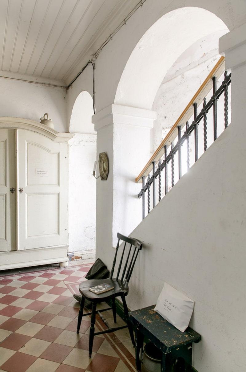 Bostaden byggdes i slutet av 1800-talet av arkitekten John Höjer.