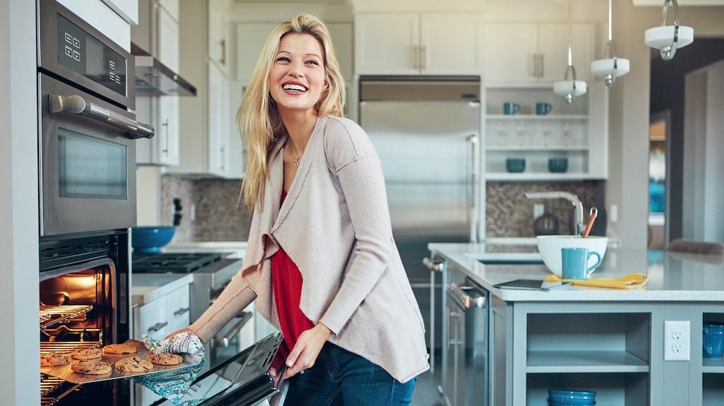 Ugnen är en tacksam vitvara i köket. Inte bara till bakning, nästan all mat blir både godare och hälsosammare genom att tillagas i ugn.