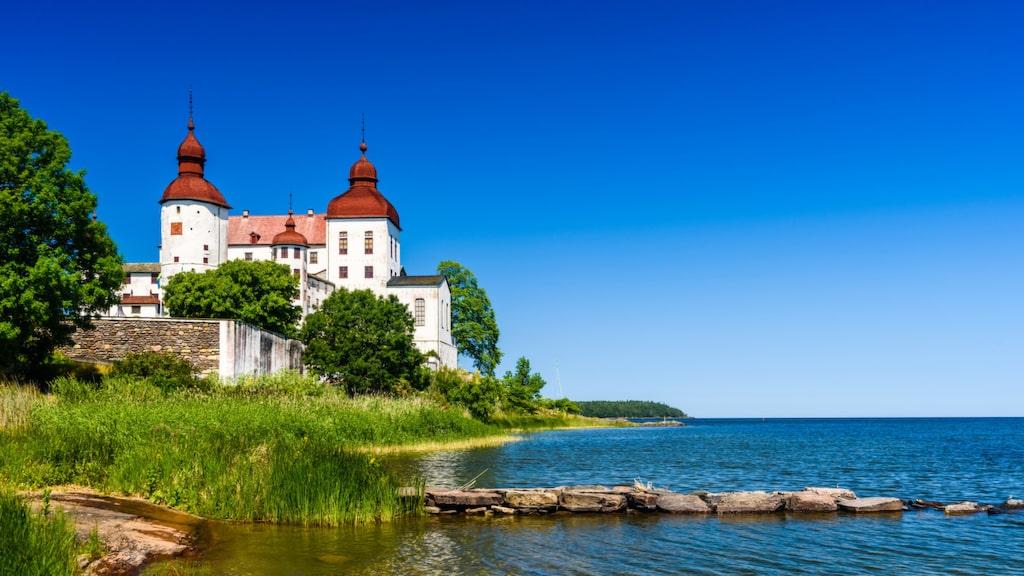Läckö slott, alldeles vid Vänern.