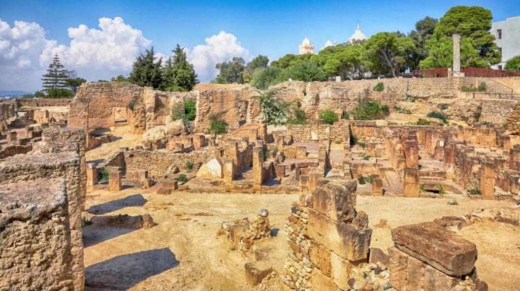 År 146 jämnade också romarna Kartago med marken och det blev en romersk provins. I dag är det en stor arkeologisk plats som tillhör Unescos världsarv.