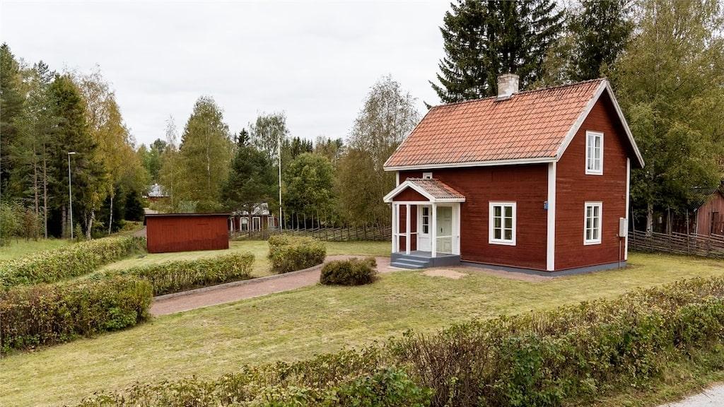 För 995 000 kronor kan du köpa det här huset i Orsa, Dalarna.