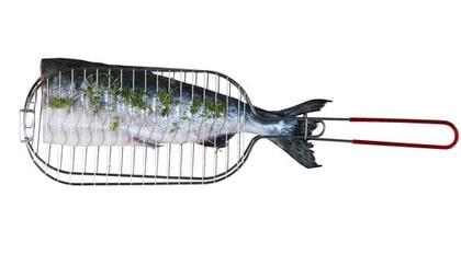 Halster behövs för att grilla fisken, 45 kronor, Ikea.