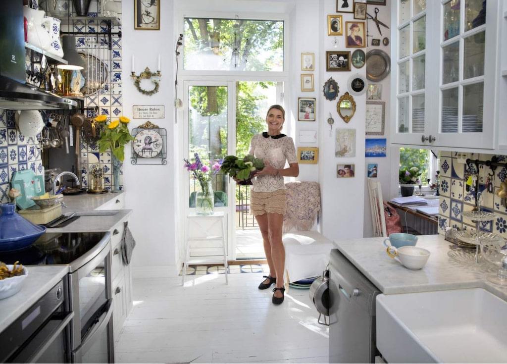 Nyskördat från egna landet? Nej, inte riktigt. När Monika Ahlberg separerade från Thommy Berggren blev hon också av med sin älskade trädgård på Djurgården. Men hon planerar att börja odla på balkongen.