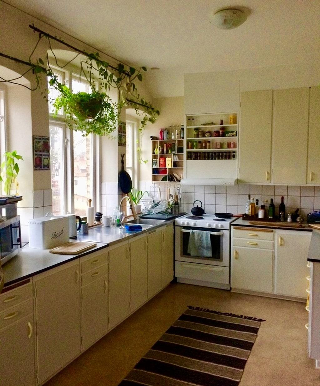 Köket till bostaden på andra våningen.