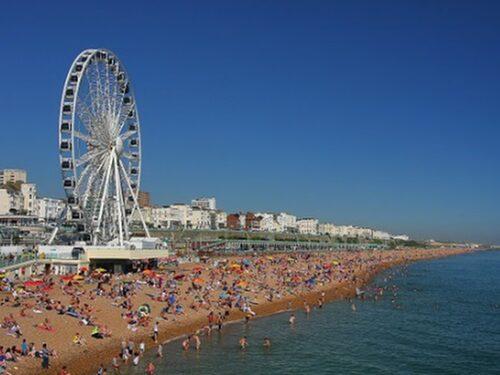 Festligt och sommarhärligt i Brighton.