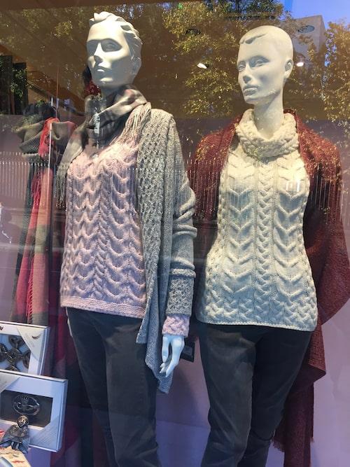 Kilkenny shop har genuint hantverk och handgjorda tröjor i ull från Aran Islands.