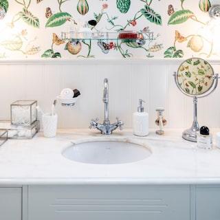 städa badrum bikarbonat