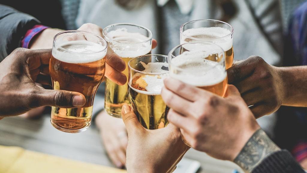 Det alkoholfria utbudet på Systembolaget blir allt större - och bättre. Andreas Grube ger dig fem goda tips inför påskens fester.