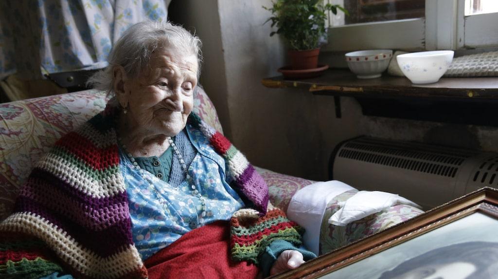 <p>Hennes recept till ett långt liv: Två råa ägg om dagen samt ett glas konjak. </p>